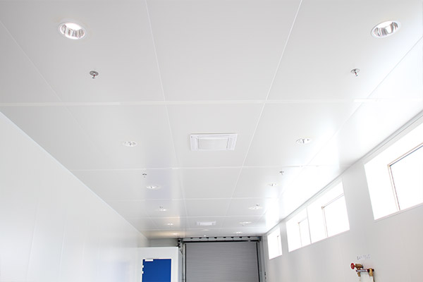 Panneau sandwich plafond rev tements modernes du toit for Habillage faux plafond