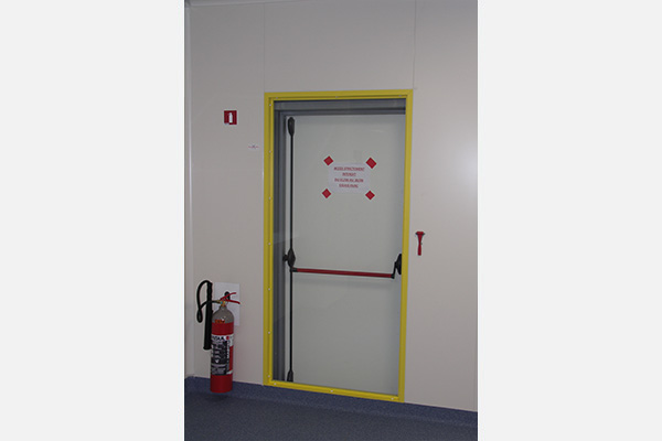 Issues De Secours Cassables Break Glass Emergency Exit Releases - Porte de secours